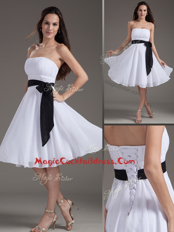 Elegant Strapless Sash White Short Cocktail Dress for Homecoming