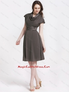 Vintage High Neck Knee Length Cocktail Dresses in Chocolate