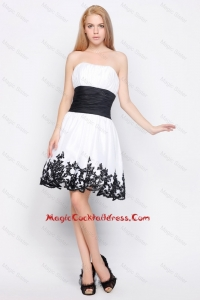 Cute Strapless Short Cocktail Dresses with Belt and Appliques