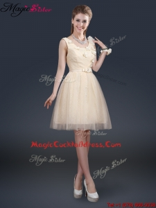 Lovely Scoop Designer Cocktail Dresses with Appliques and Belt