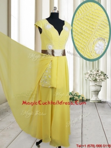 2017 Popular Beaded and Belted V Neck Chiffon Yellow Cocktail Dress with Cap Sleeves