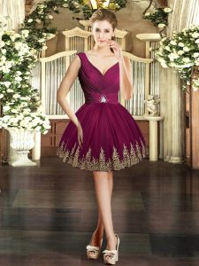 V-neck Sleeveless Cocktail Dresses Mini Length Embroidery Burgundy Tulle