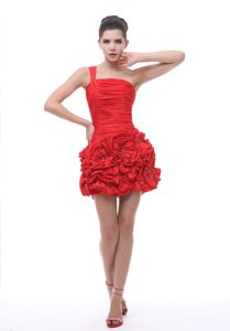 Red One Shoulder Cocktail Dress with Rosettes For Prom in Rome