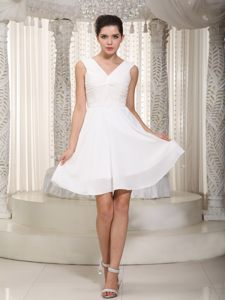 V-neck White Mini-length Cocktail Dress For Celebrity by Chiffon in Phoenix