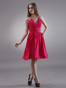 Coral Red Chiffon V-neck Homecoming Cocktail Dress with Beading