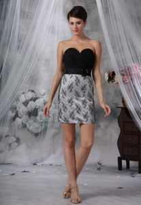 Sweetheart Black Cocktail Dress For Prom with Hand Made Flowers