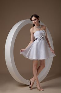 A-line Strapless Knee-Length Cocktail Dresses with Flowers in IN
