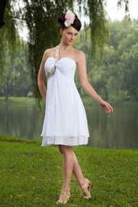 New York White Empire One Shoulder Ruched Cocktail Dress Beading