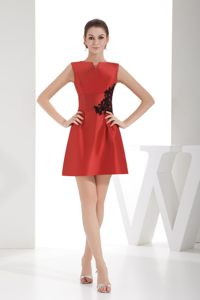 Appliques Slot Neck Zipper Up Back Red Satin Short Cocktail Party Dress
