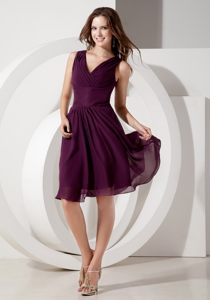V-neck Dark Purple Chiffon Beading Knee-length Cocktail Dress in Hekpoort
