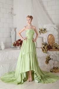 Yellow Green A-line Ruched Prom Cocktail Dress in New Castle with Chapel