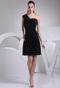 One Shoulder Black Short with Paillette Homecoming Cocktail Dresses in Umdloti