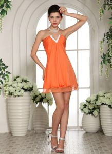 Orange Slot V-neck Mini-length Cocktail Dress For Prom in Umdloti