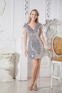 Sliver Short Sleeves Evening Cocktail Dress Column V-neck Mini-length