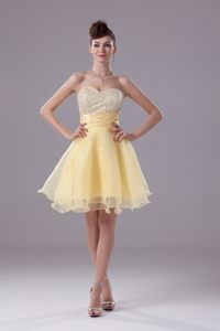 Austin Light Yellow Beaded Sweetheart Knee-length Cocktail Dress