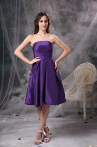 Knee-length Strapless Eggplant Purple Cocktail Reception Dresses in Iowa