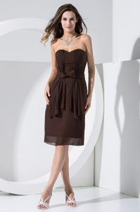 Sweetheart Knee-length Brown Ruched Cocktail Dress with Bowknots