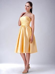 Gold Empire Strapless Bow Decorate Tea-length Cocktail Dress in Bredasdorp