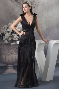 Pleated V-neck Chiffon Black Beading Cheap Evening Cocktail Dress