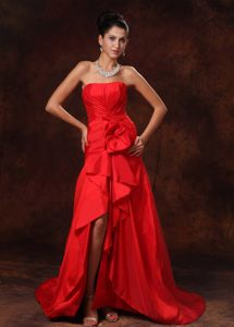 Sweep Train Strapless Ruffled High Slit Red Lace Up Cocktail Dresses