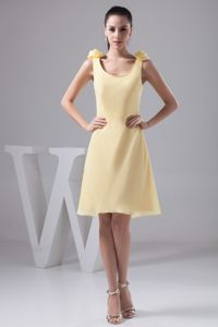 Flower Scoop Knee-length Column Yellow Cocktail Dress in Indiana