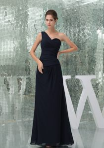 Elegant Black One Shoulder Ruches Cocktail Dress in North Dakota